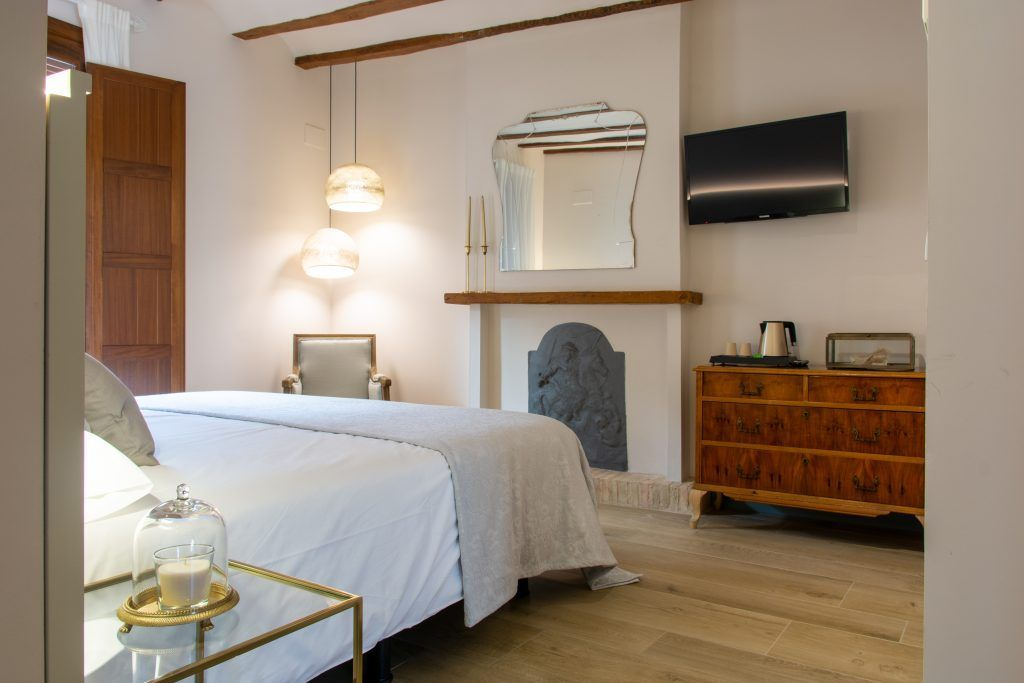 Room Los Canilleros Bed and Breakfast Requena